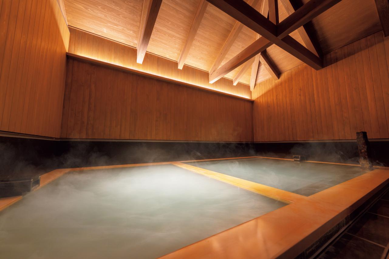 大浴場の内風呂には、「あつ湯」と「ぬる湯」のふたつの湯船