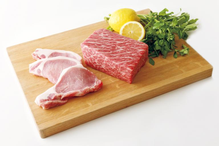 夏に不足しがちな鉄、亜鉛、カリウム、マグネシウムを含む食品は?