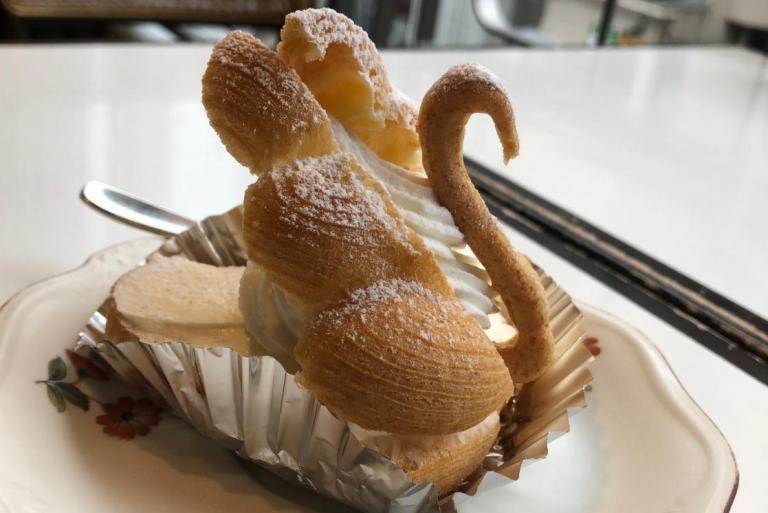 「純喫茶」の魅力再発見!中板橋の名店「白鳥」で、今こそ光る欧風菓子の味&昭和の空間を楽しむ