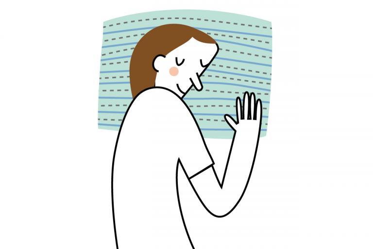 血圧を上げない寝るときの姿勢は「あお向け寝」「横向き寝」のどちら?/更年期世代の「いつの間にか高血圧」