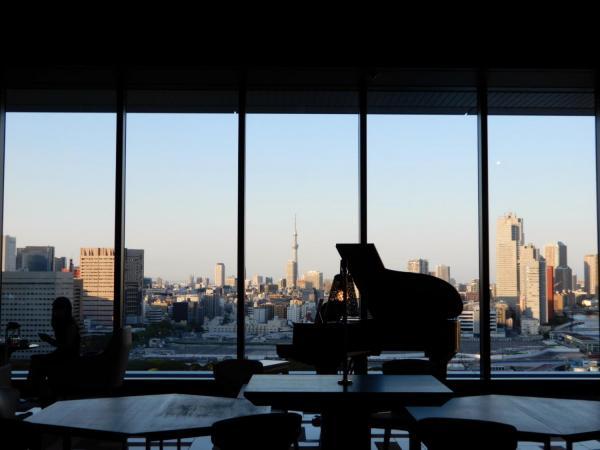 メズム東京のグランドピアノ