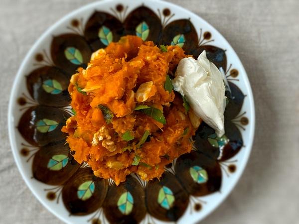 ボウルひとつでOK! ビタミンと免疫力強化のβカロテンも豊富! かぼちゃとナッツのクミン風味サラダ